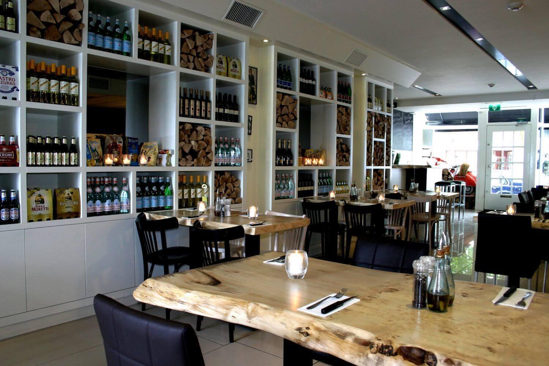 https://www.diner-cadeau.nl/sites/all/files/styles/colorbox/public/media/restaurant/dinerbon-la-vespa-laren-laren-1_1.jpg?itok=8mXWQWJg